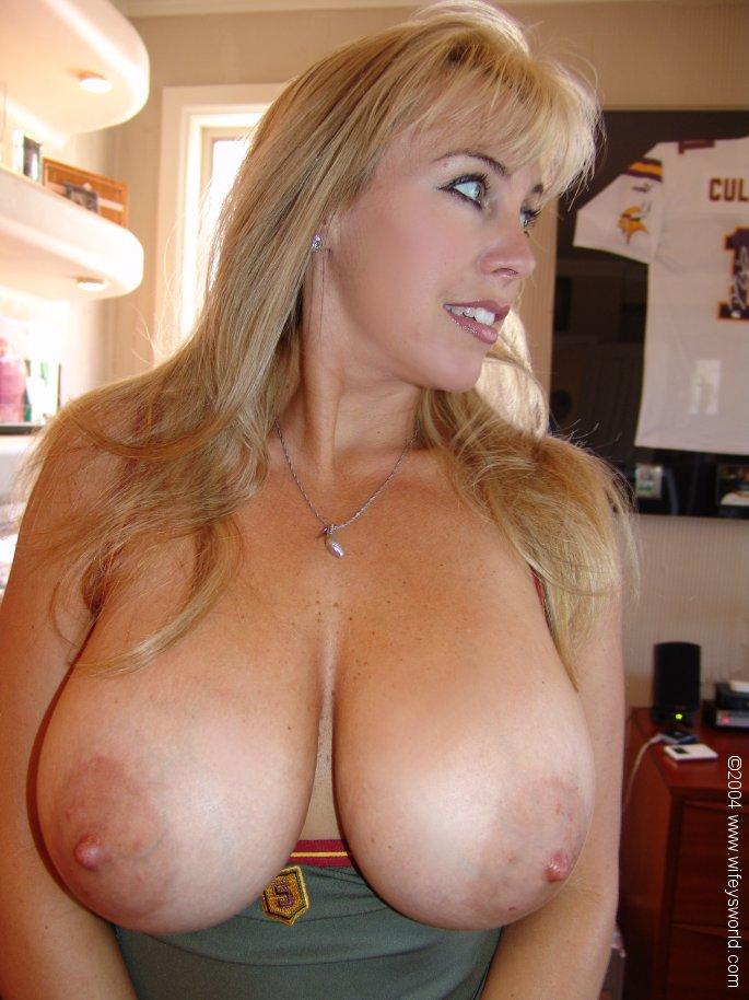 Список актрис с большой грудью 8 фотография