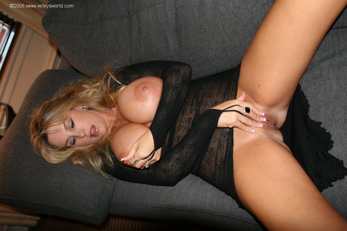 nude wifey gallery having sex