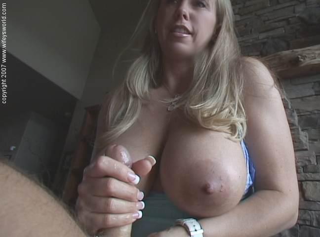 Секс с большими сиськами в лифчике его